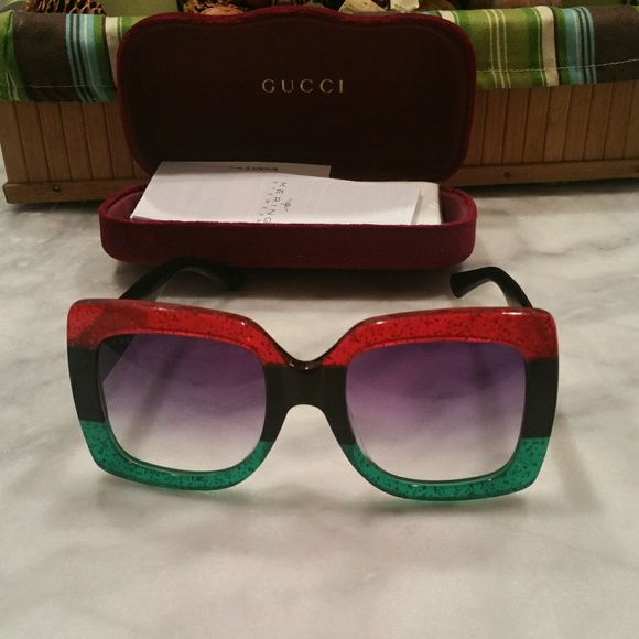 d14bdca0889 Gucci Accessories - Authentic OVERSIZED gucci sunglass Model   GG0083S